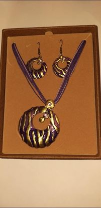 Picture of purple necklace and earring set